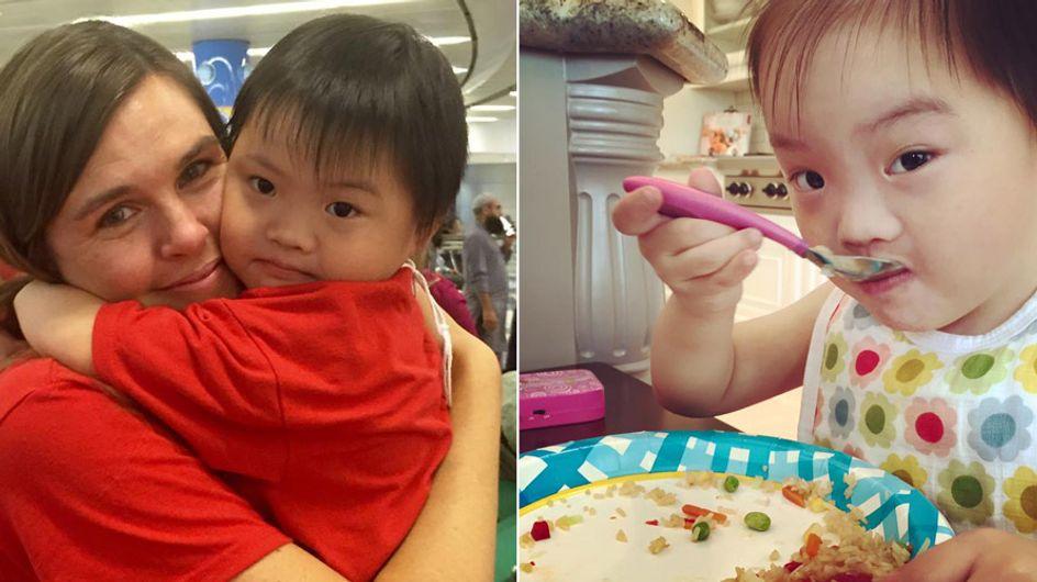 So emotional wird dieses kleine Mädchen mit Down-Syndrom von ihrer Adoptivfamilie empfangen