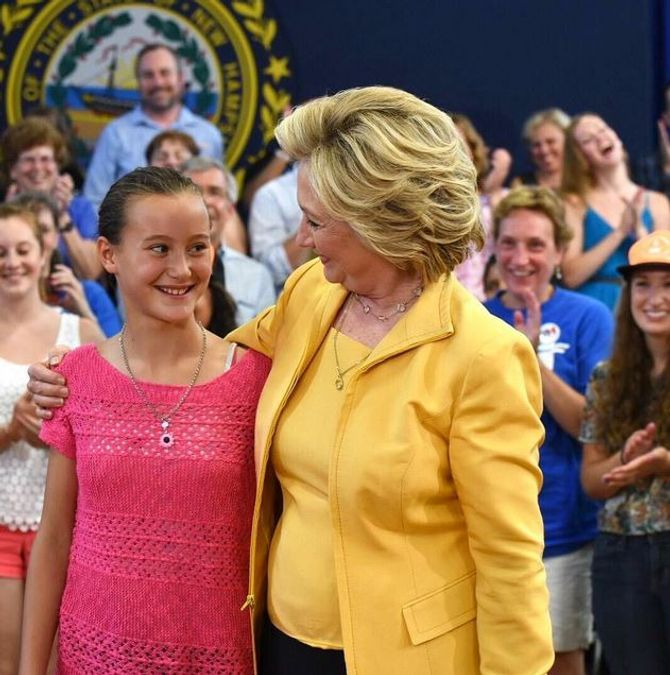 Hillary Clinton  et une supportrice