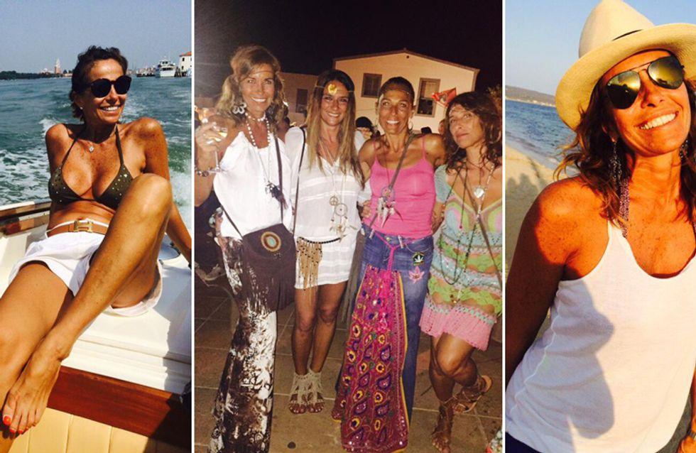 Da giornalista perfettina a sexy 50enne in vacanza: l'estate della Parodi tra bikini e feste a tema!