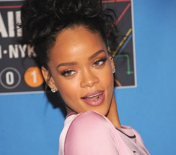 Rihanna se déchaîne au carnaval de la Barbade (Photos)