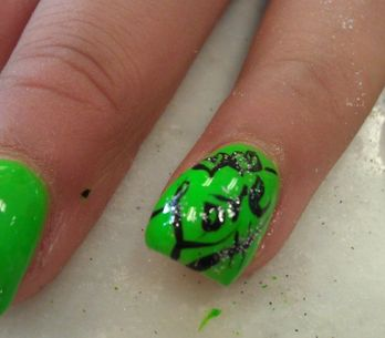 Trend curvy anche per le unghie: è in arrivo la Bubble Nail Art