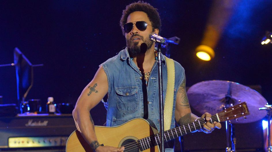 Un descuido de Lenny Kravitz deja al descubierto sus partes íntimas en pleno concierto