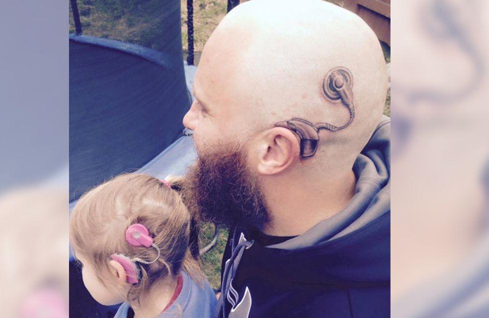 Weil seine Tochter sich schämt, lässt dieser Vater sich ein außergewöhnliches Tattoo stechen