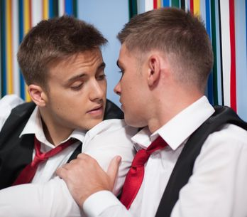 Hollyoaks 17/08 - Holly can tell there's something seriously wrong with Cleo