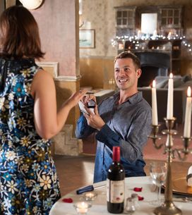 Hollyoaks 20/08 - Ben asks Sienna to move in with him