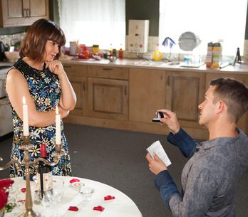 Hollyoaks 21/08 - Maxine, Sienna and Nico panic when they receive a note from Patrick