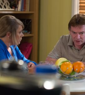 Eastenders 20/08 - Phil hides a bag of cash in The Archers