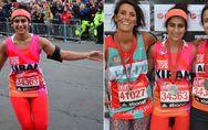 Während diese Frau einen Marathon läuft, ist ihre Hose voller Blut - doch das ha
