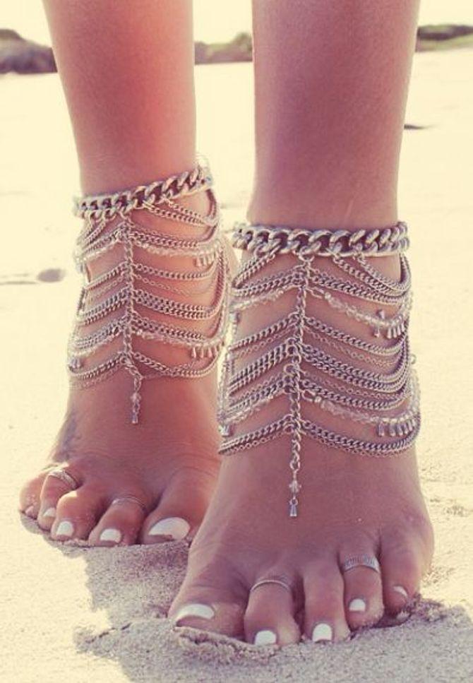 Feet chain
