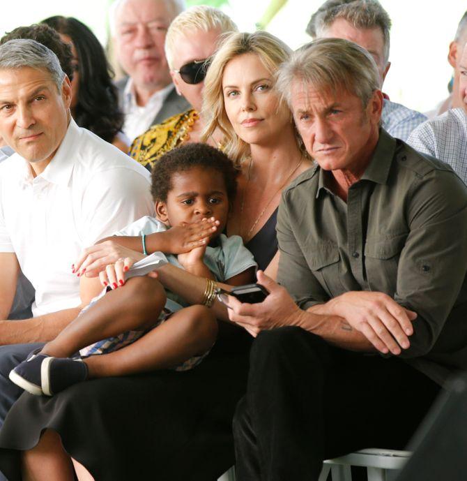 Sean Penn, Charlize Theron et son fils Jackson
