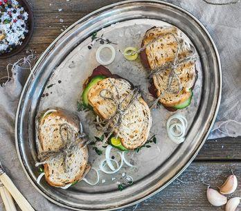 ¡Pan con pan! 10 ideas de bocadillos saludables y deliciosos para mantener la lí