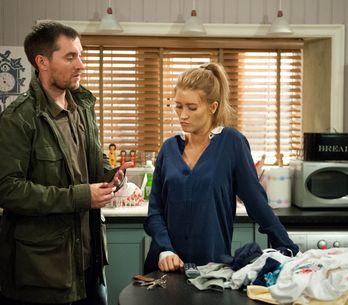 Emmerdale 27/08 - Pete is heartbroken to realise Debbie is terrified of him