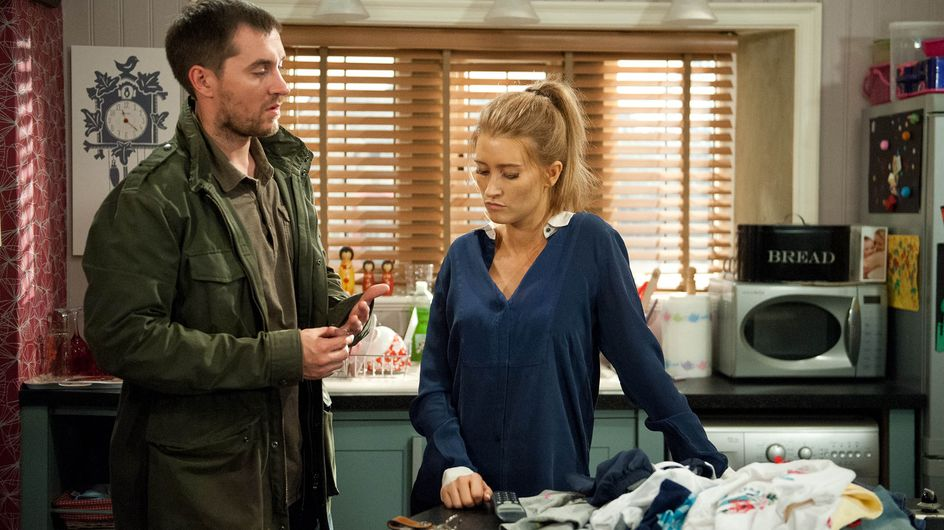 Emmerdale 27/08 - Pete is heartbroken to realise Debbie is terrified of him