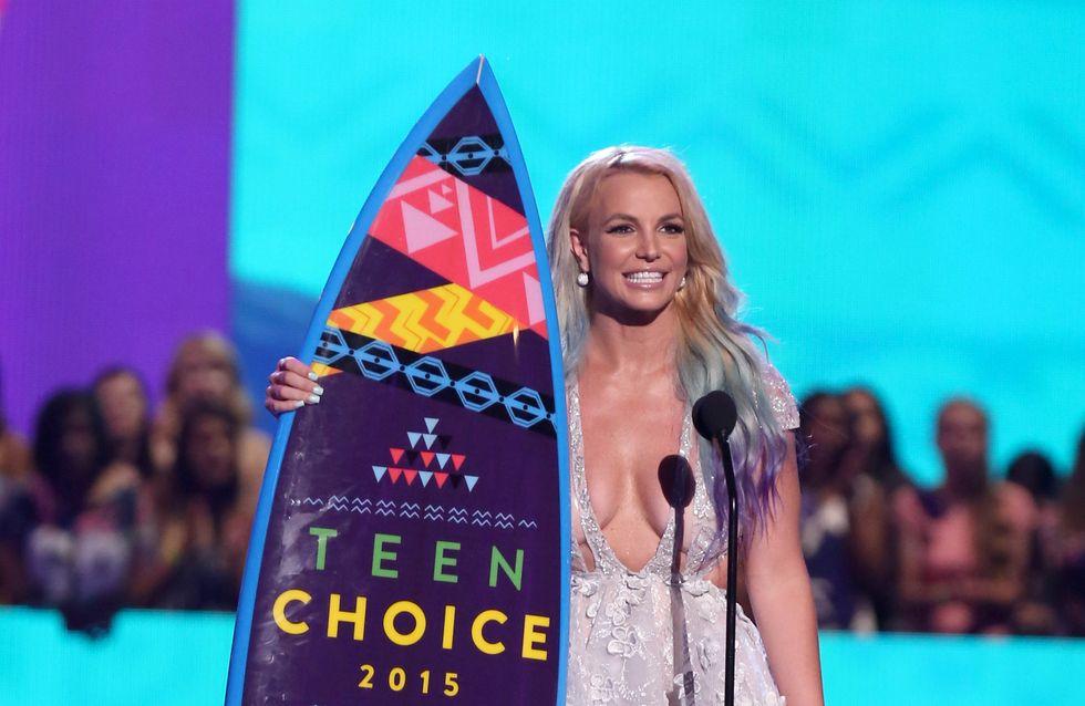 El escote de Britney Spears y el homenaje a Paul Walker, en los Teen Choice Awards