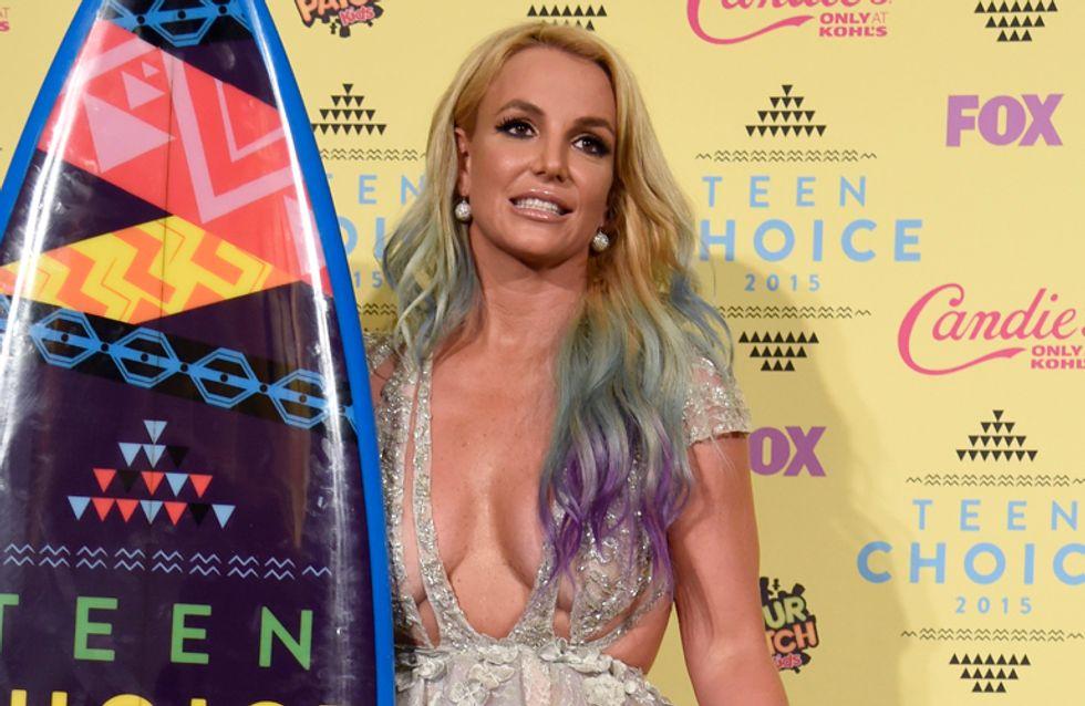 Britney Spears y su escote TOXIC, peor look de la semana