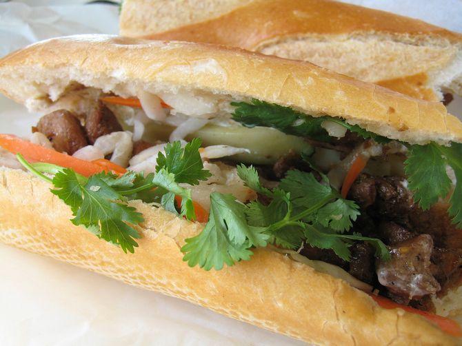 Le banh-mi, sandwich aux saveurs du Vietnam
