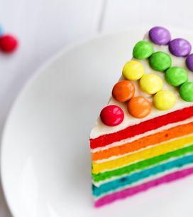 ¡Cocina con tus peques! Aprende a hacer un pastel multicolor