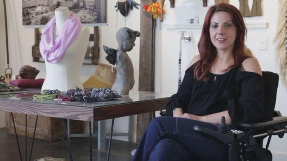Paralysée, elle crée un jean pour les personnes en fauteuil roulant comme elle