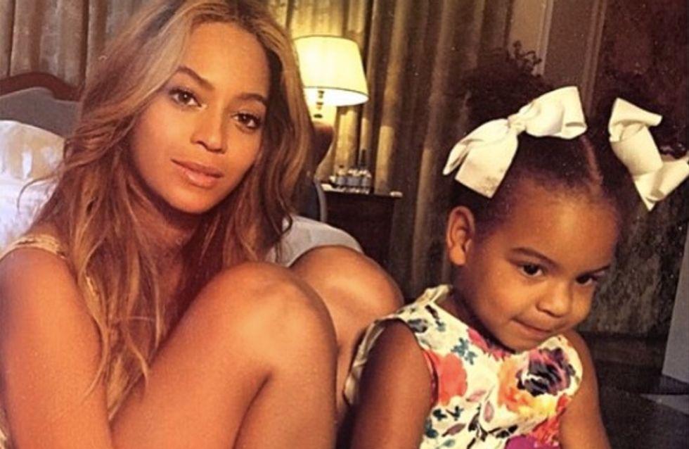 Beyoncé et Blue Ivy dans leurs maillots de bain assortis (Photos)