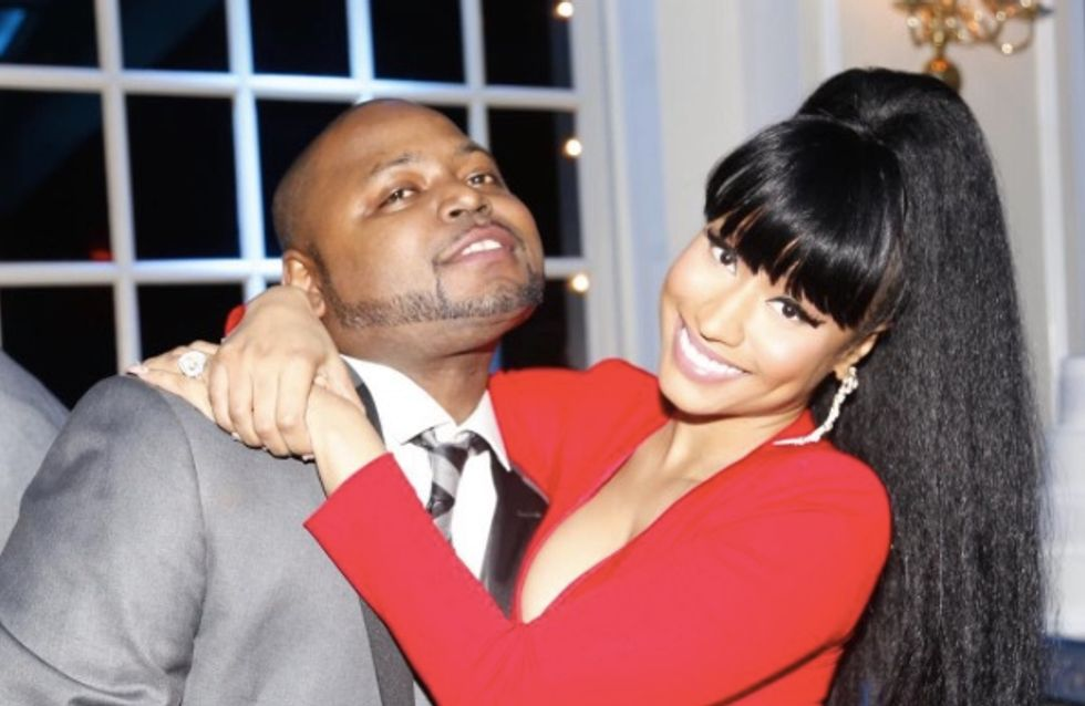 Nicki Minaj dans une robe rouge décolletée au mariage de son frère (Photos)