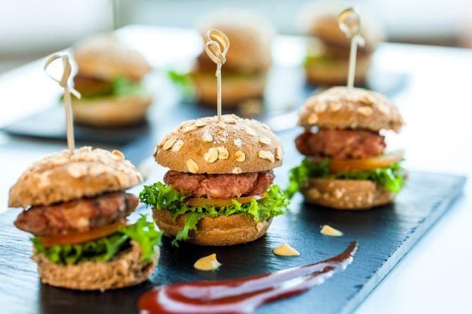 Sur votre buffet, des mini plats que tout le monde adore