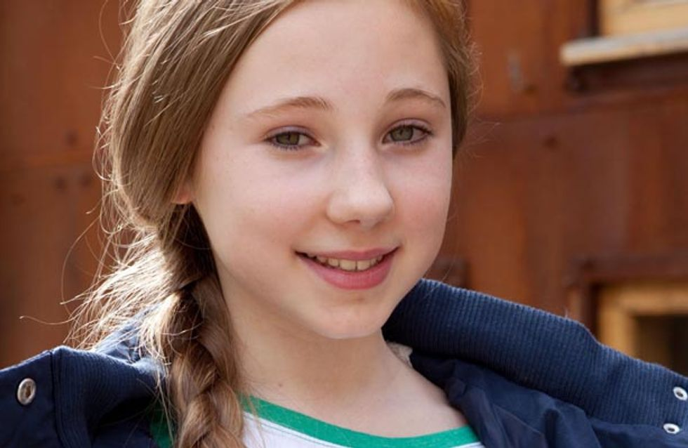 Hollyoaks 2/09 - Will Peri hand over her child?