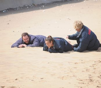 Eastenders 3/09 - A determined Tina, Mick and Shirley arrive at the Caravan Park