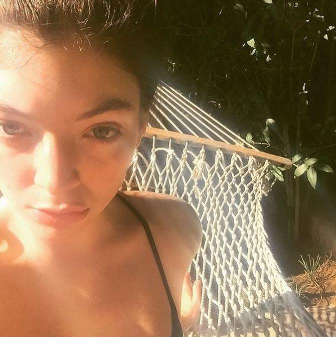 Lorde sans maquillage.