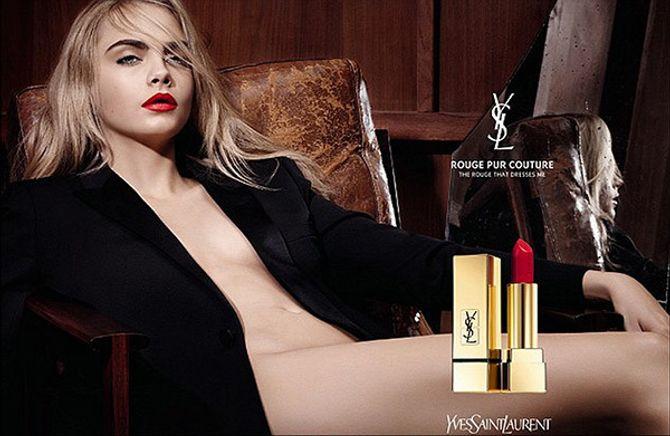 Cara Delevingne nue pour la nouvelle campagne Yves Saint Laurent