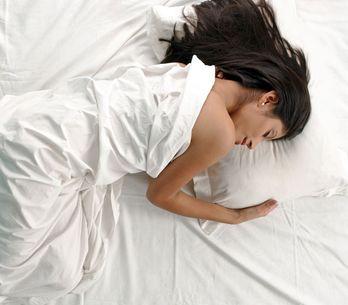 ¿El picor no te deja dormir? Trucos para dejar de sufrir en esas largas noches