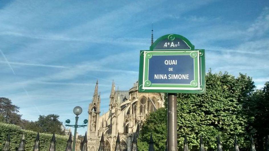 Des rues de Paris rebaptisées avec des noms de femmes par une association (Photos)