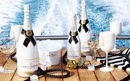 Una copa de champagne con hielo por favor?