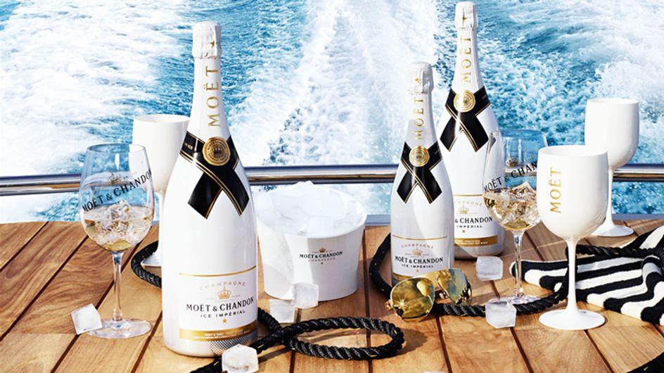 Una copa de champagne con hielo por favor