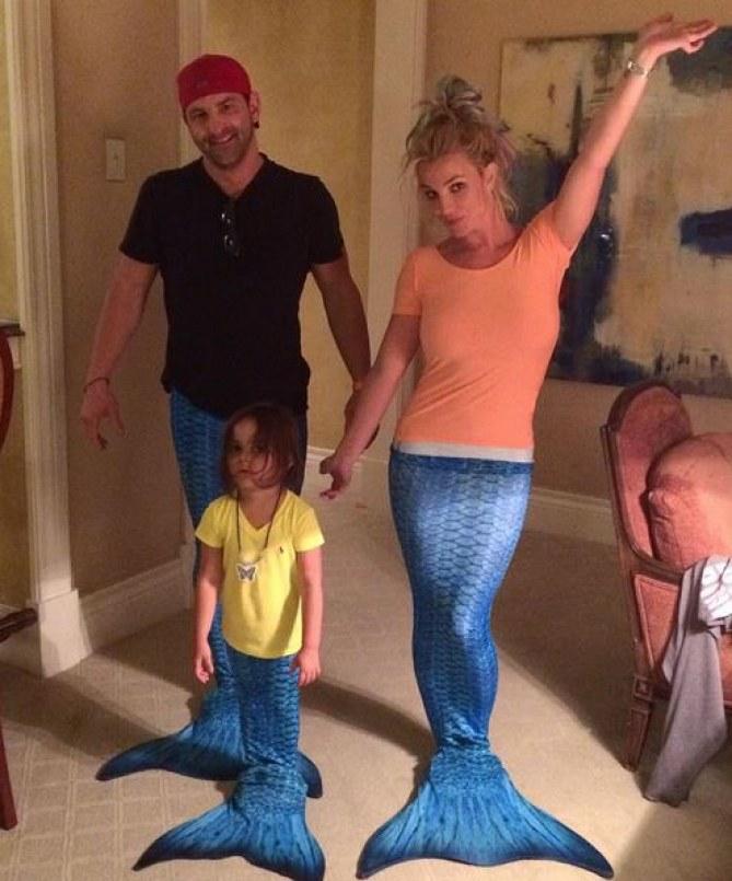 Britney Spears sirène dans son salon