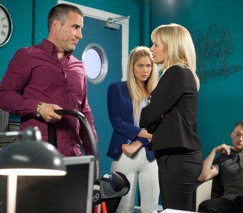 Hollyoaks 9/09 - Jason tells Holly he loves her