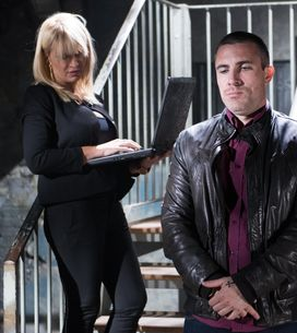 Hollyoaks 10/09 - Trevor and Ashley plan to kill their hostage