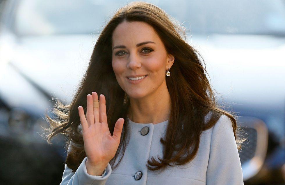 On copie le look smart chic de Kate Middleton
