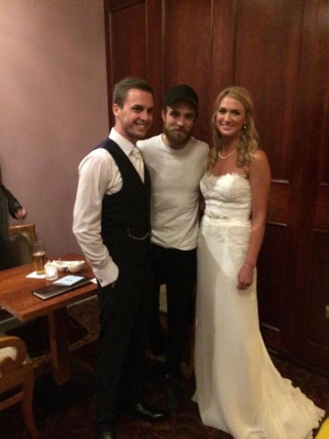 Robert Pattinson et les jeunes mariés, Tom et Sarah Lenihan
