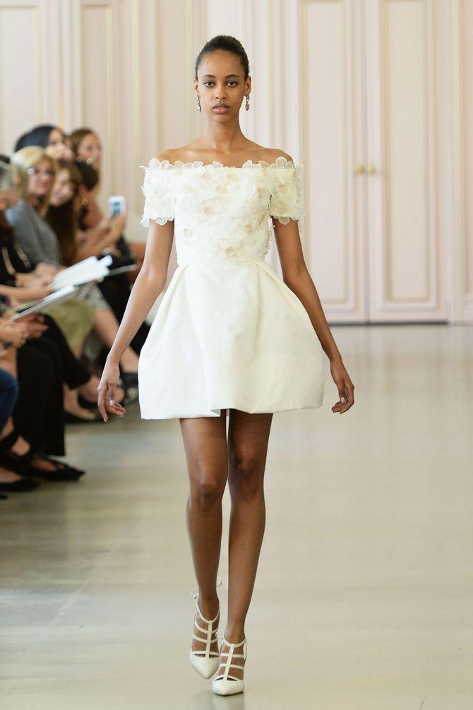 Robe de mariée courte, Oscar de la Renta
