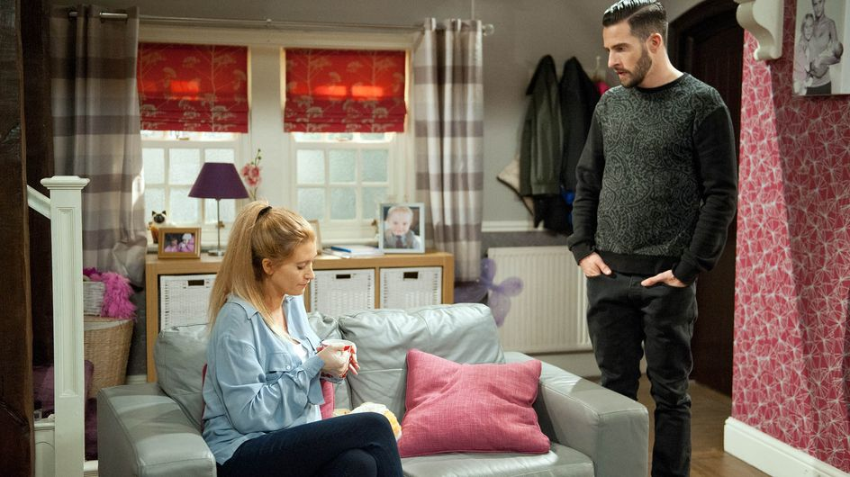 Emmerdale 16/09 - The family are shocked Debbie has let Ross back in