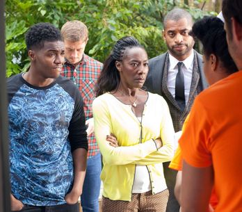Hollyoaks 15/09 - Lisa returns home to a frantic Simone