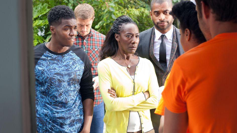 Hollyoaks 15/09 - Lisa returns home to a frantic Simone