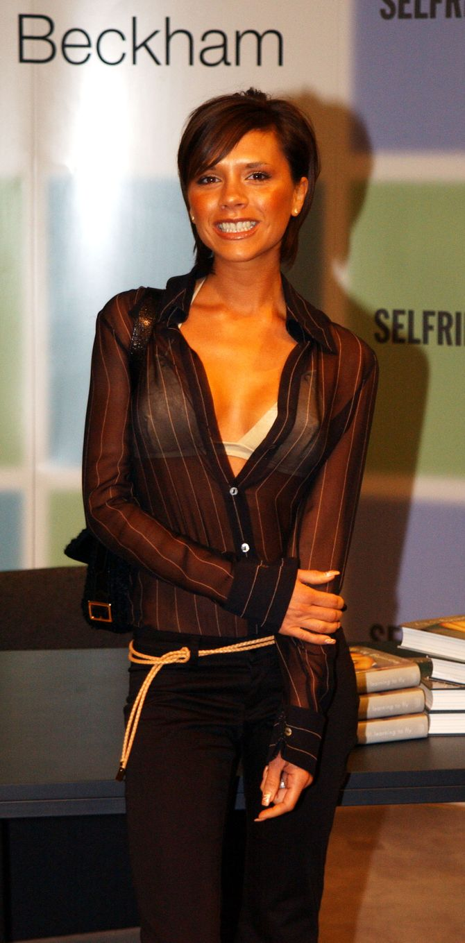 Victoria Beckham avec une frange en 2001