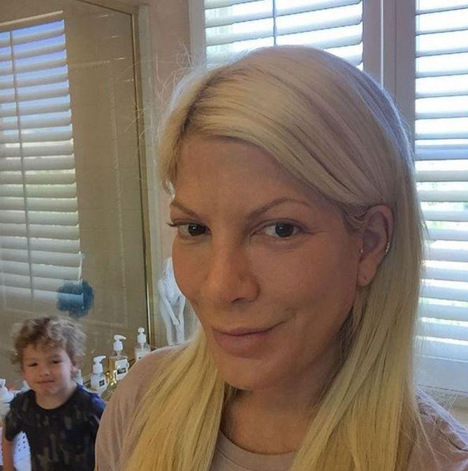 Tori Spelling sans maquillage.