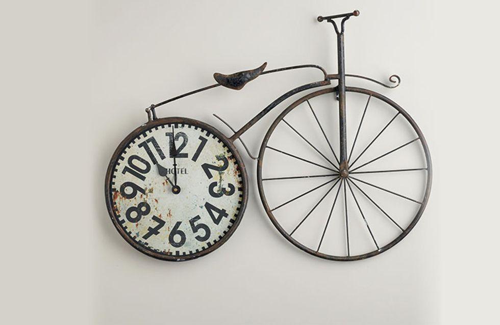 Deco-bike, el arte de reciclar ruedas de bici para decorar la casa
