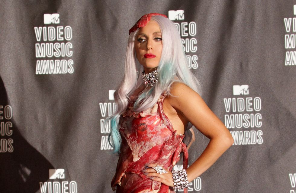 La robe en viande de Lady Gaga entre au musée 5 ans après (Photos)