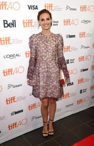 Natalie Portman en Christian Dior au Festival annuel du Film de Toronto