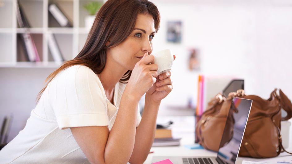 9 modi semplici e veloci per rilassarti al lavoro senza dover lasciare la scrivania