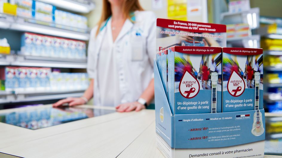 Autotest VIH, un test à domicile du virus du sida désormais vendu en pharmacie