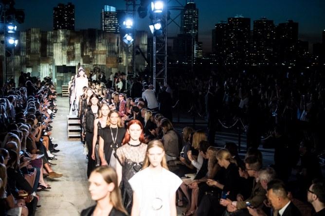 Le défilé Givenchy Printemps/été 2016 à New York